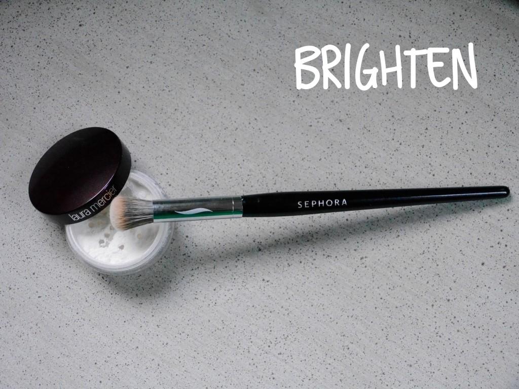 Laura Mercier Brightening Powder