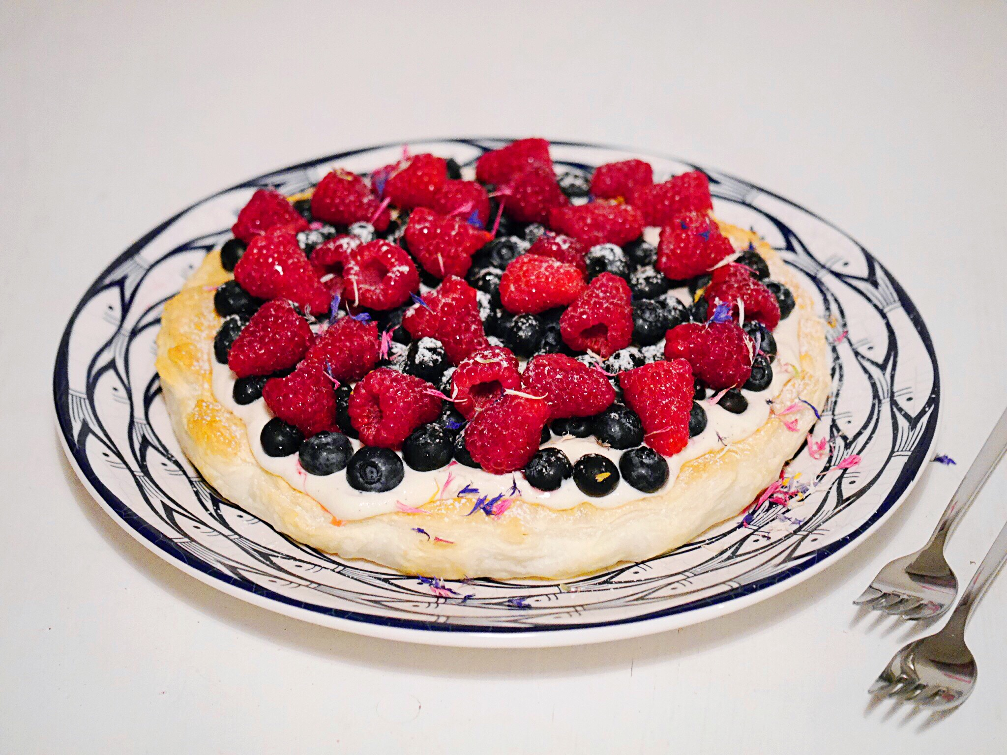 summer berry tarte